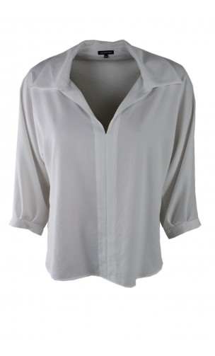 Caroline Biss blouse with three-quarter sleeves and spacious v-neck